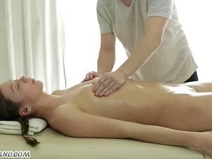 Beautiful Russian girl gets an amazing deep-tissue massage