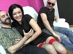 Amateur MILF Carmen pleasuring three men at once