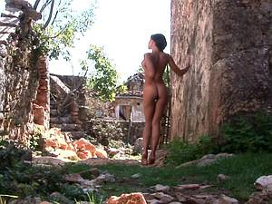 Beautiful babe exposing her naked body