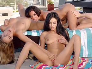 Twister bitches 6