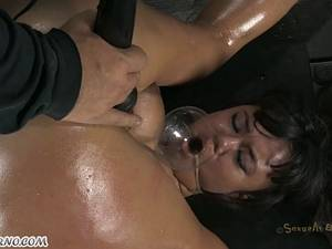 Chubby latin poor girl is ready for anal BDSM